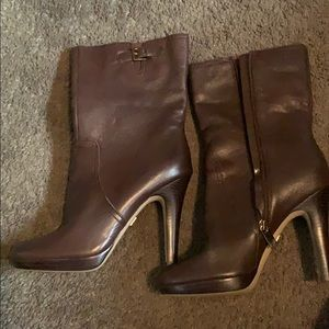 Like new Anne Klein brown boot size 8